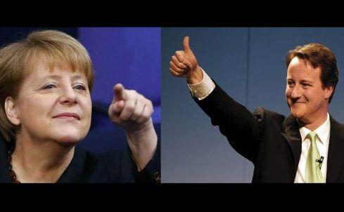 Cancelarul german Angela Merkel (st) şi premierul britanic David Cameron.