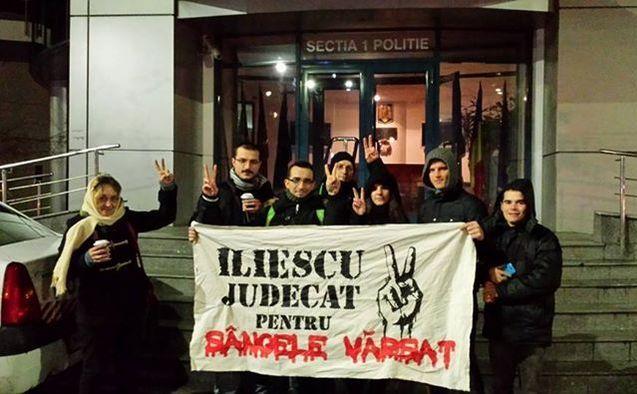Un grup de activişti, printre care şi Alexandru Alexe
