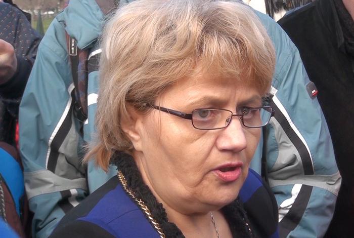 Cristiana Anghel, la protestul împotriva Legii Big Brother ţinut în faţa Parlamentului pe 21 decembrie 2014