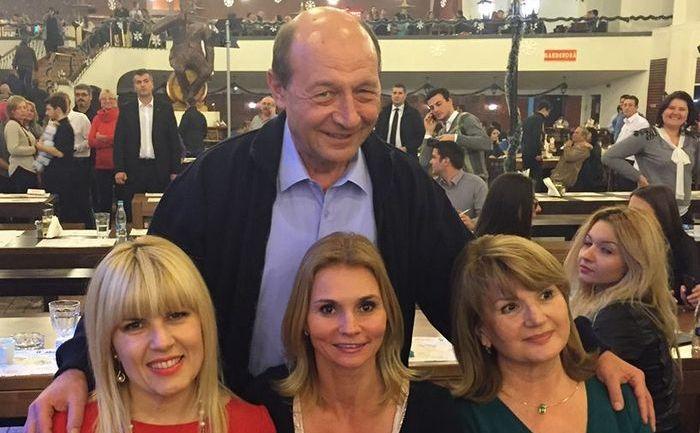 Traian Băsescu sărbătoreşte finalul celor 10 ani de mandat