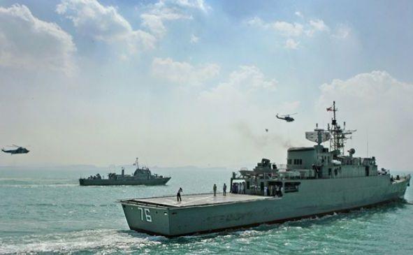 Nave de luptă iraniene.