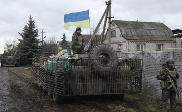 Forţele ucrainene şi luptătorii voluntari încearcă să recupereze zonele ocupate de rebeli.