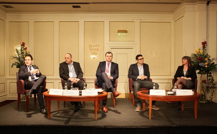 """Panel """"Modele de schimbare în educaţie"""" la Romanian Business Leaders Summit."""