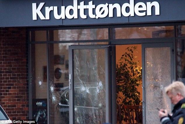 Atac împotriva unui caricaturist în cafeneauaKrudttoendendin Copenhaga
