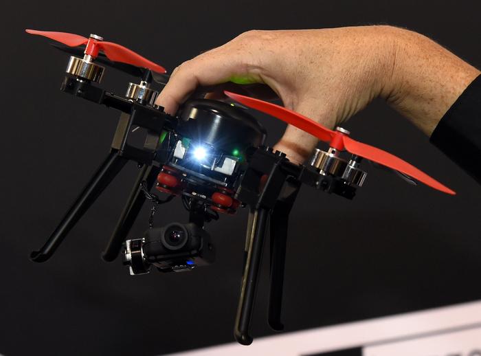 Dronă prezentată la International CES, Las Vegas Convention Center, 8 ianuarie 2015