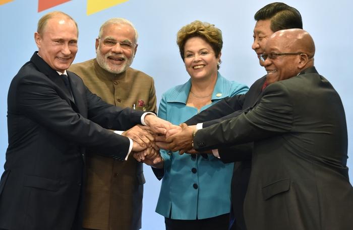 Liderii BRICS în Fortaleza, Brazilia, 15 iulie 2014.