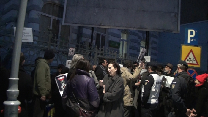 Protest împotriva decorării, de către Franţa, a primarului Sorin Oprescu. 12 martie 2015