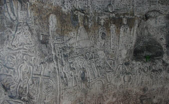 Simbolurile enigmatice ale peşterii Royston