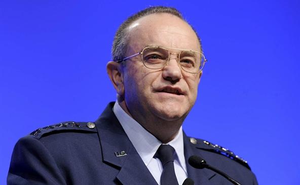 Generalul Philip M. Breedlove, Comandatul Suprem al Forţelor Aliate din Europa.