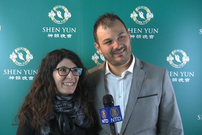 Azzurra Itri şi Riccardo Colombo, respectiv CEO şi director general al Fashion One Soul, au văzut Shen Yun la Teatro degli Arcimboldi, Milano, 21 martie 2015