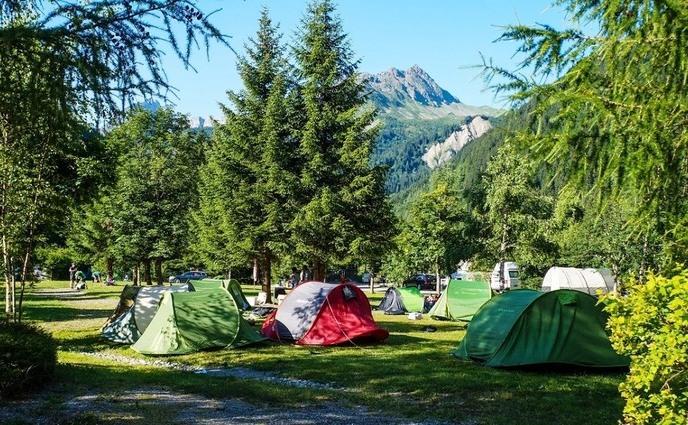Cele mai frumoase locuri de camping din România