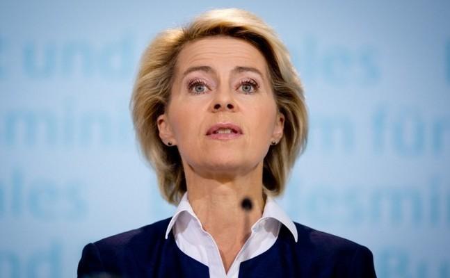 Ministrul german al apărării, Ursula von der Leyen.