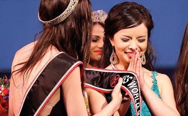 Anastasia Lin din Toronto a fost desemnată Miss World Canada în cadrul unei ceremonii în Vancouver, 16 mai 2015.