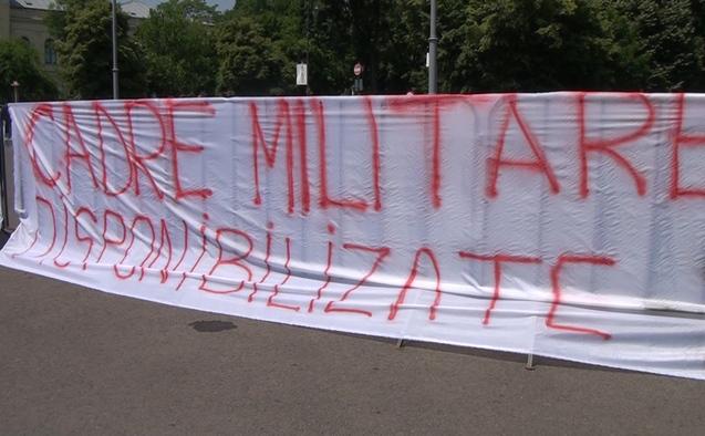 Protest al foştilor angajaţi MAI disponibilizaţi în 2011, 18 mai 2015.