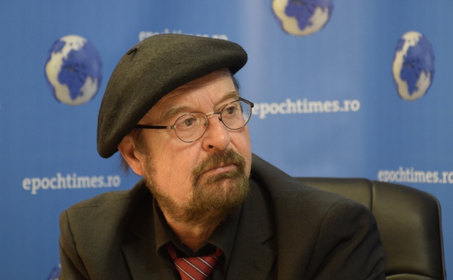 Europarlamentarul german, Bernard Stefan Eck, intr-un interviu despre problema cainilor maidanezi.