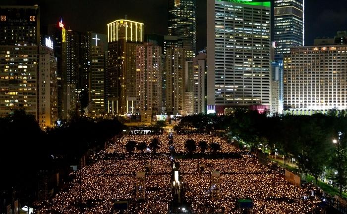 Demonstraţii masive în Hong Kong, comemorând masacrul din piaţa Tien an men d ela 4 iunie 1989