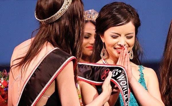 Anastasia Lin a câştigat titlul de Miss World Canada în Vancouver, 16 mai