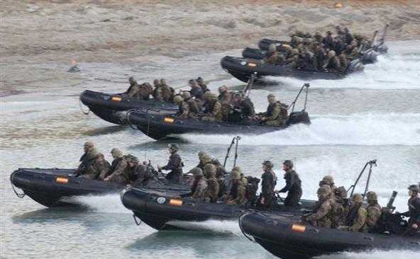 Unităţi ale forţei de reacţie rapidă a NATO.