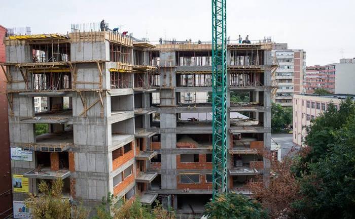 Construcţie ilegală ridicată în Al. Luncşoara din sectorul 2.