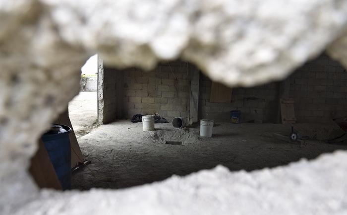 Imaginea spărturii în zid prin care se bănuieşte că a scăpat cel mai căutat traficant de droguri, Joaquin 'El Chapo' Guzman, din închisoarea Altiplano, 12 iulie 2015