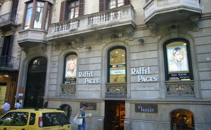 "Muzeul perucilor ""Raffel Pages"", Barcelona, Spania."