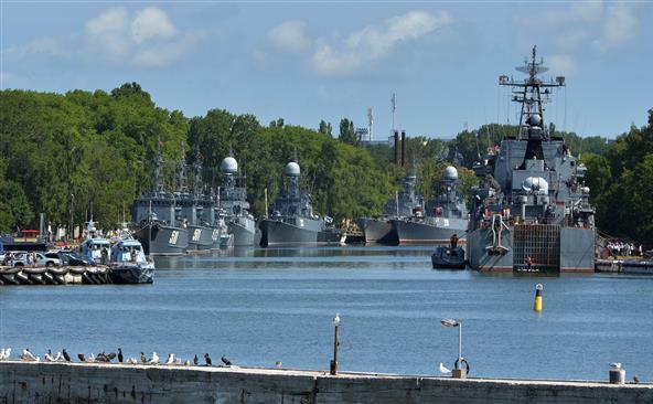 Nave militare ruseşti staţionate la Baltiysk, 19 iulie 2015.