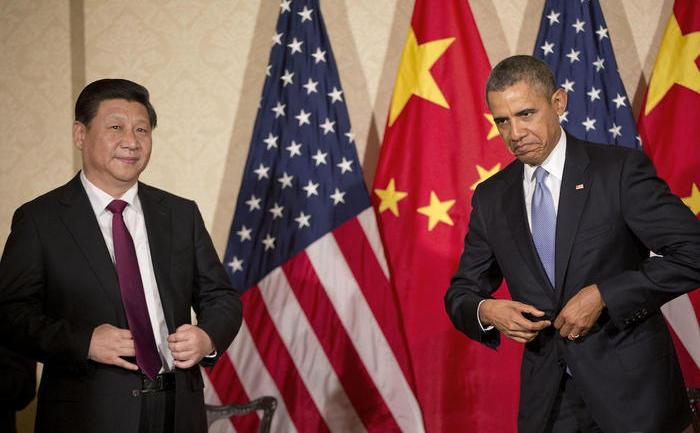 Preşedintele chinez Xi Jinping (st) şi omologul său american Barack Obama.