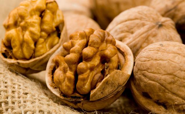 Beneficiile consumului de nuci