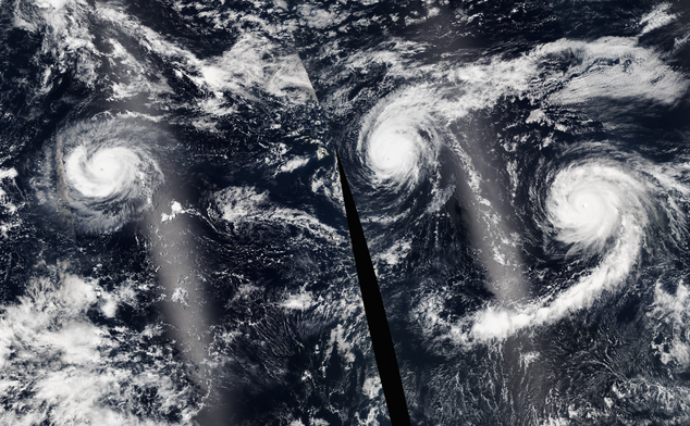 Uragane în Pacific