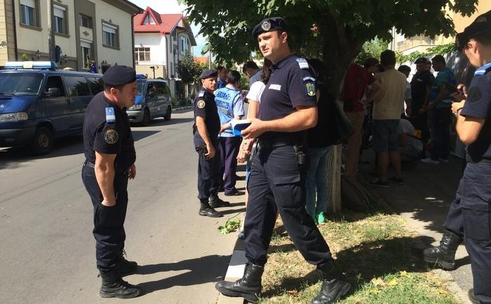 Protest în faţa ambasadei azere din România