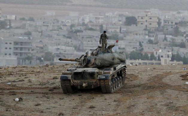 Armata turcă la graniţa cu Siria