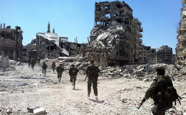 Trupe în Homs, Siria