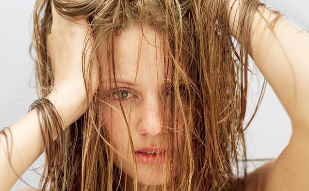 Remedii naturiste pentru păr gras