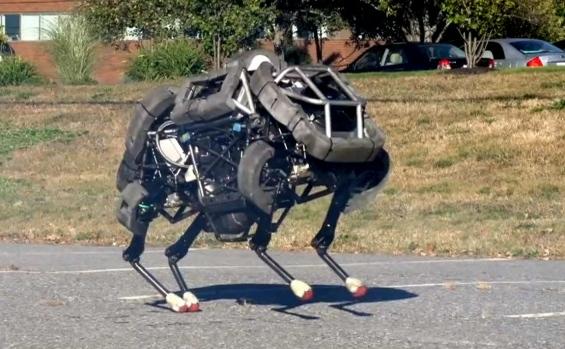 Roboţi militari patrupezi, dezvoltaţi de companii aflate sub controlul firmei Google