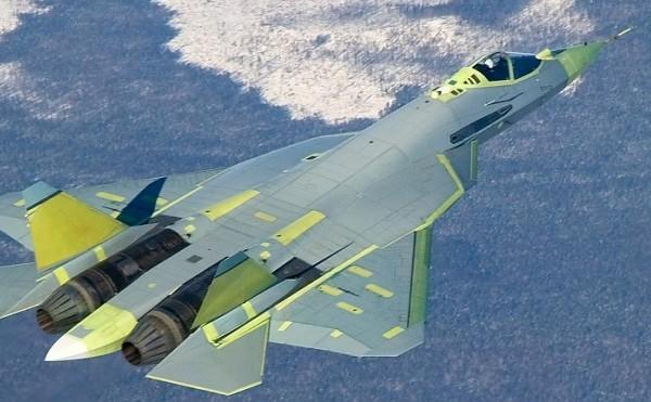 Un avion de luptă rusesc Suhoi T-50.