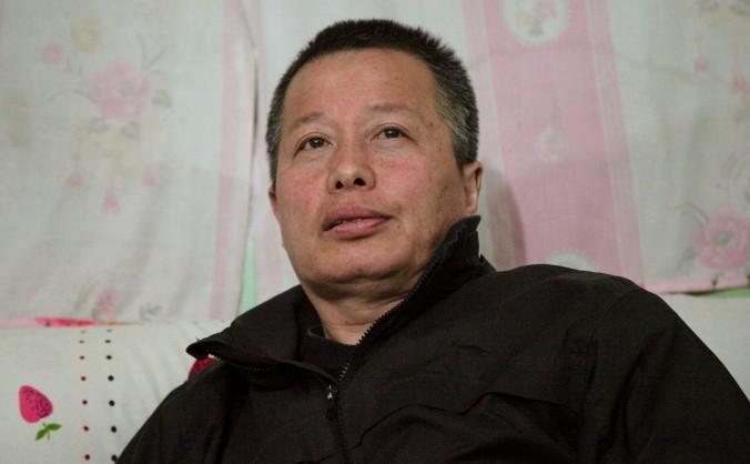 Gao Zhisheng discută cu jurnaliştii în provincia chineză Shaanxi la începutul anului 2015.
