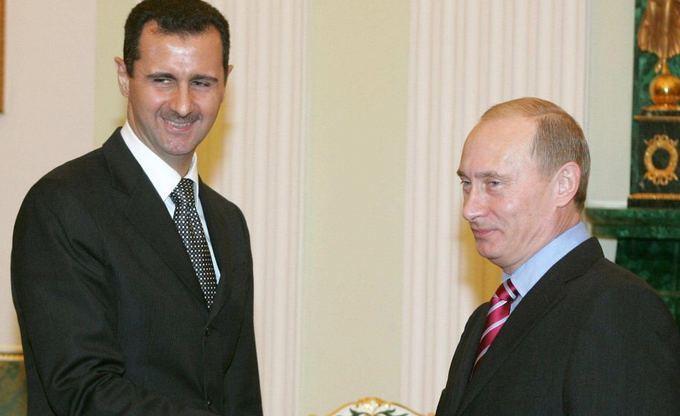 (Arhivă) Preşedintele sirian Bashar al-Assad (st) şi omologul său rus Vladimir Putin.