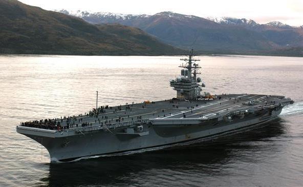 Portavionul american USS Ronald Reagan.