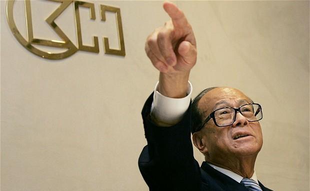 Miliardarul Li Ka-shing din Hong Kong.