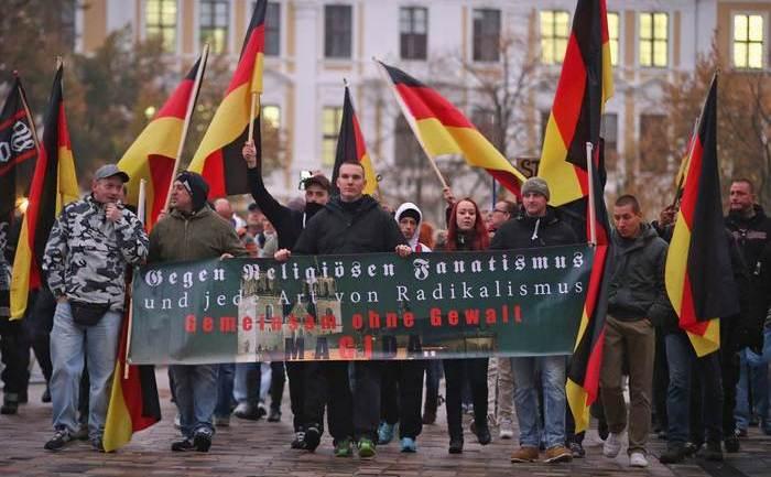 PEGIDA marchează 1 an de demonstraţii în Magdeburg