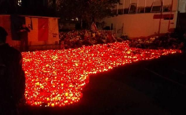 Comemorare a victimelor incendiului izbucnit la Clubul Colectiv din Bucureşti.