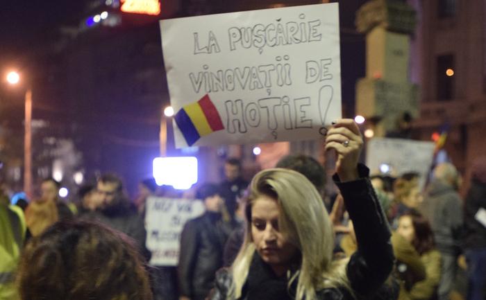 Românii ies din nou în stradă împotriva Sistemului.