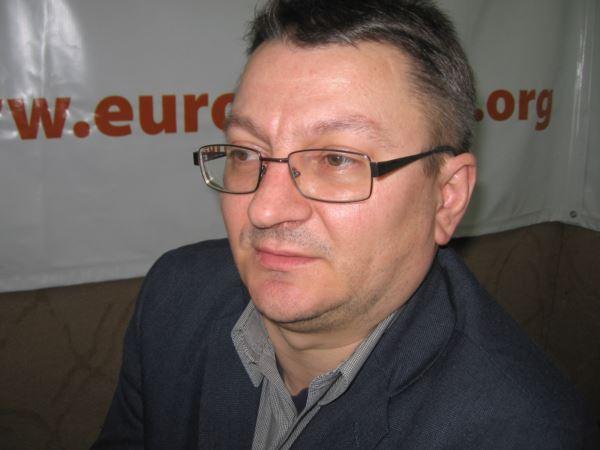 Armand Goşu, politolog român