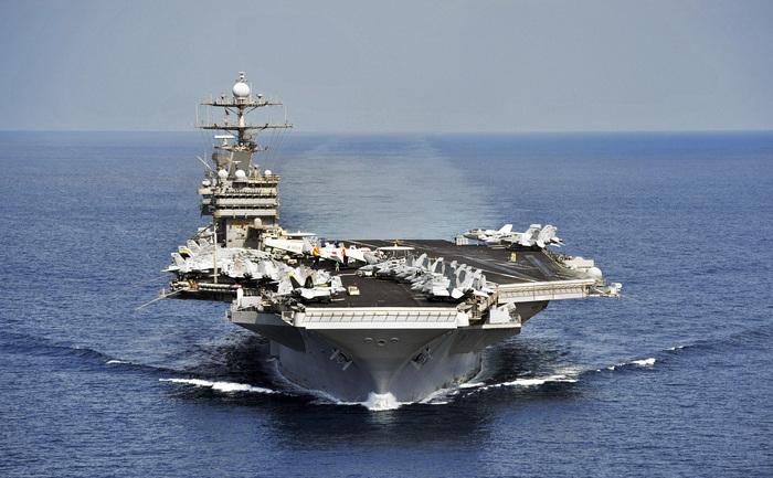 Portavionul american USS Harry S. Truman (CVN 75).