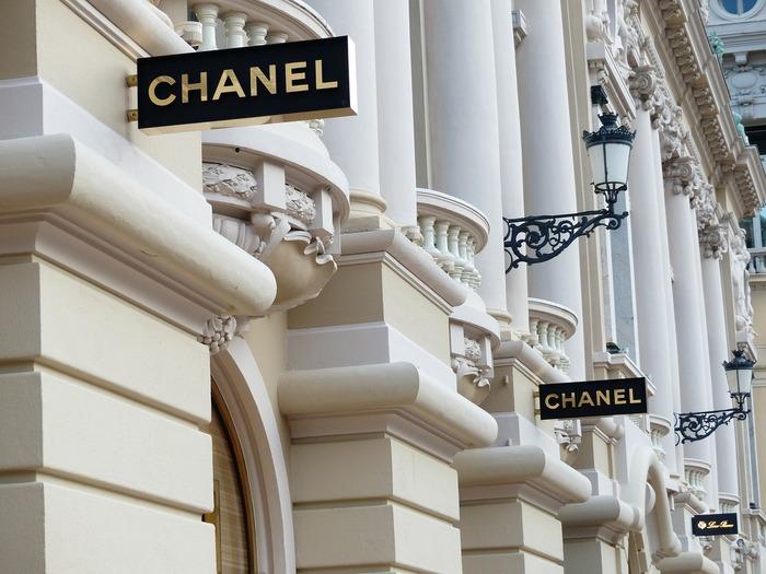 Magazine Chanel în Monaco