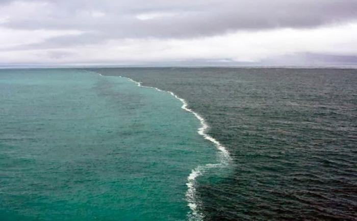 Fenomenul ciudat care desparte marea