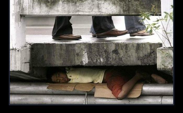 Sărăcia este cea mai crudă formă de violenţă