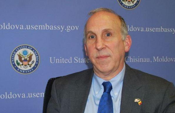 James Pettit, ambasadorul Statelor Unite la Chişinău