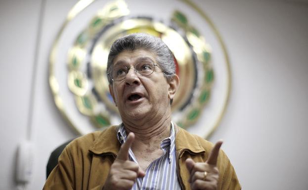 Noul preşedinte al parlamentului venezuelean, Henry Ramos Allup.