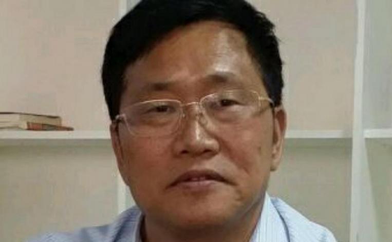 Avocatul chinez Zhou Shifeng.